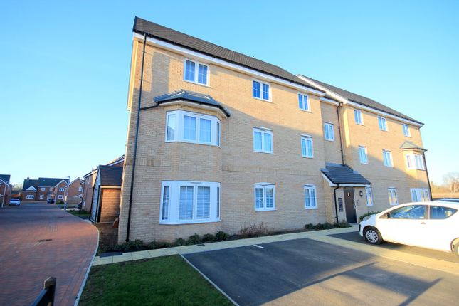 Thumbnail Flat for sale in Victoria Grove, Flitwick