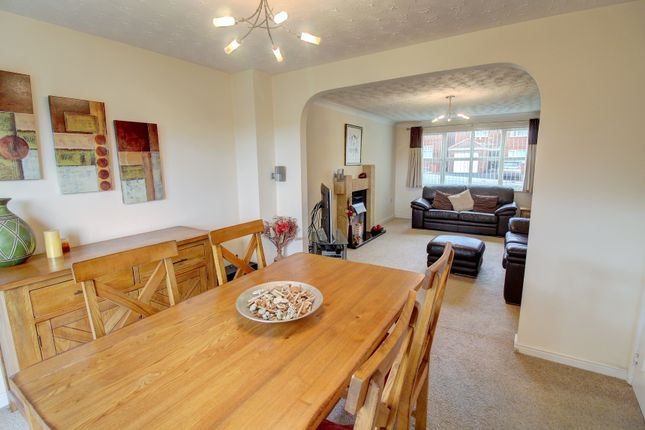 4 Bed Detached House For Sale In Blue Cedar Drive Streetly