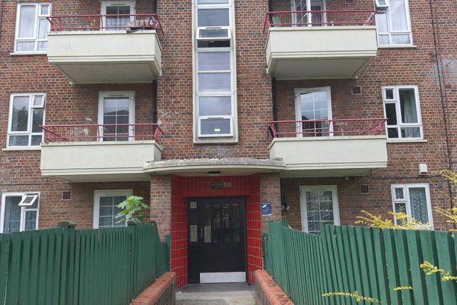 3 bed flat for sale in Reed Road, London N17