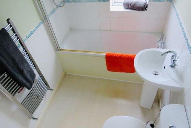 Bathroom 2 of Berwyn Avenue, Middleton, Manchester M24