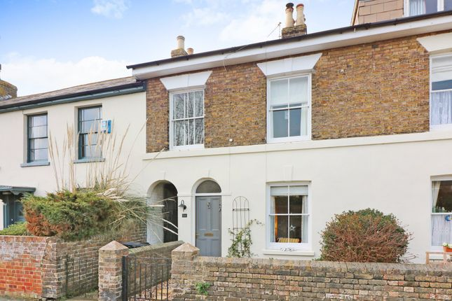 Thumbnail Cottage to rent in Gladstone Road, Walmer, Deal.