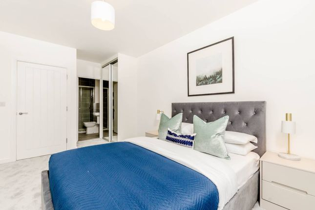 Thumbnail Flat to rent in Trinity Quarter, Guildford