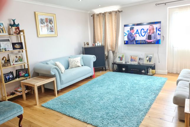 Thumbnail Terraced house to rent in Ringway, Southall