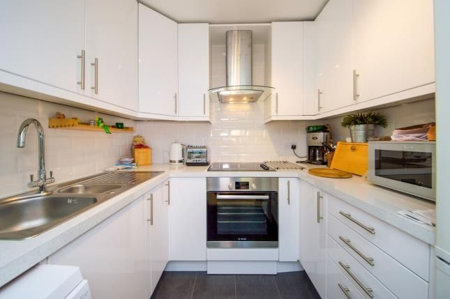 Kitchen of Homan Court, 17 Friern Watch Avenue, London N12