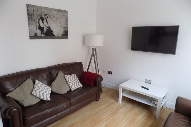Thumbnail Terraced house to rent in Grosvenor Square, Sheffield