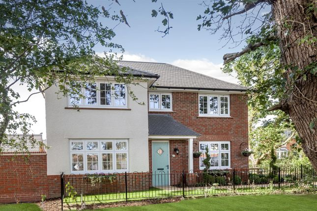 Thumbnail Property for sale in Kiln Road, Hadleigh, Benfleet