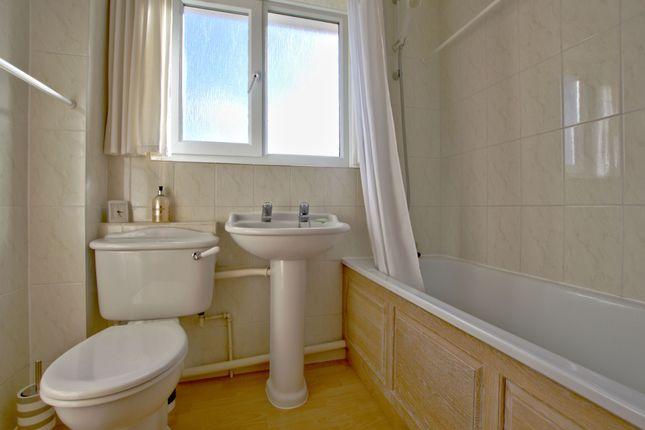 Bathroom of Harbour Avenue, Comberton, Cambridge CB23