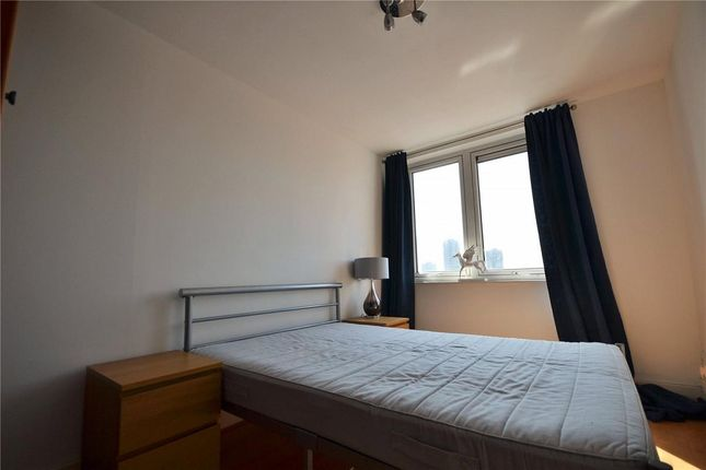 2 bed flat to rent in Commercial Road, Whitechapel