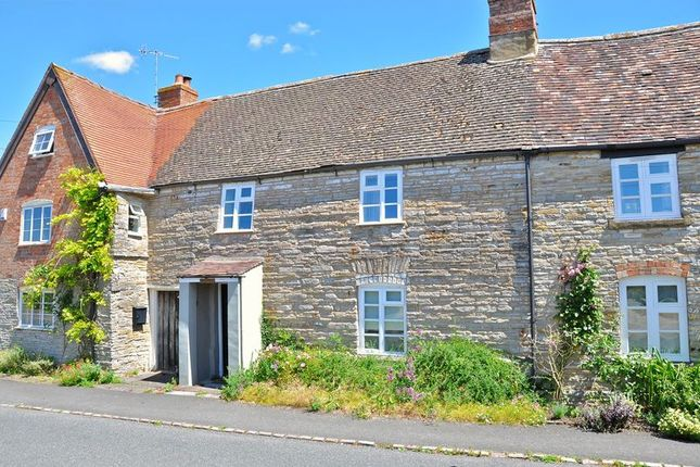 Thumbnail Terraced house for sale in Arrow Lane, North Littleton, Evesham