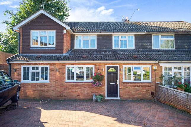 Thumbnail Semi-detached house for sale in Lilliards Close, Hoddesdon