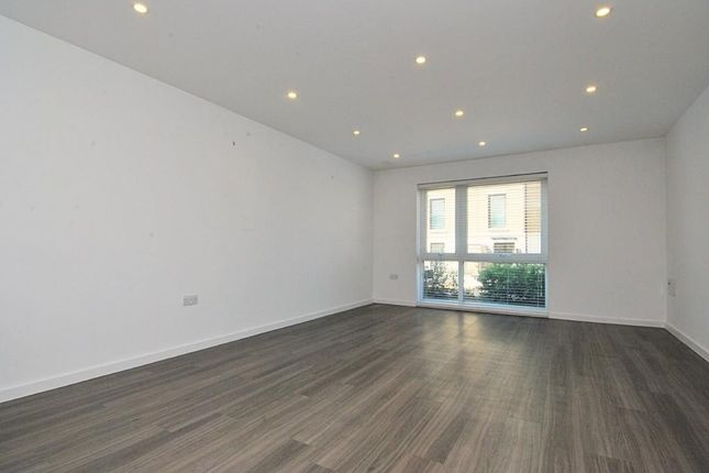 Thumbnail Flat to rent in Loxford House, Highbury Park