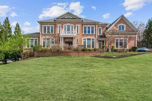 Property for sale in 905 Georgetown Ridge Ct, Mclean, Virginia, 22102, United States Of America