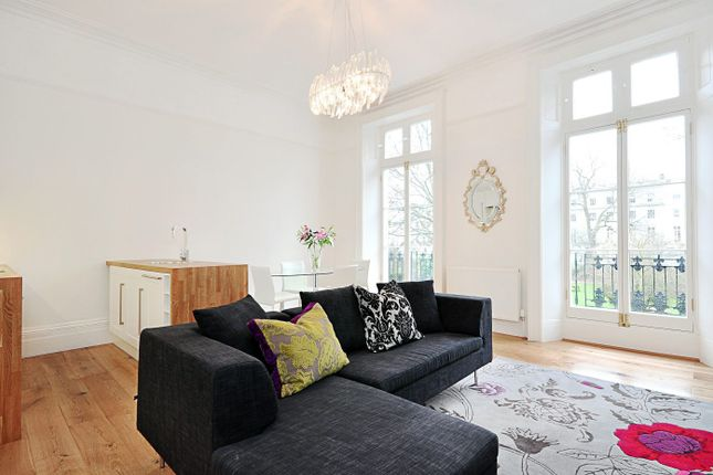 Thumbnail Flat to rent in Norland Square, Holland Park