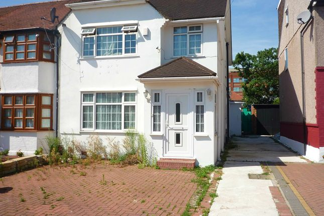 5 bed semi-detached house to rent in Burwell Avenue, Greenford, London