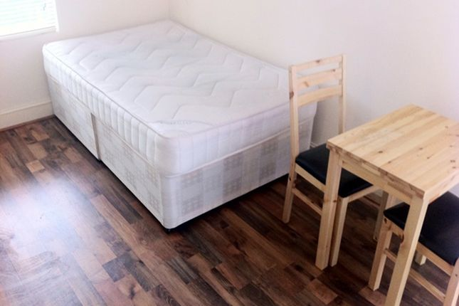 Room to rent in Willoughby Road, Hornsey, London