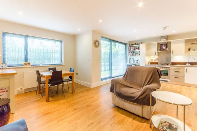 Thumbnail Flat for sale in Stefan House, Winchmore Hill