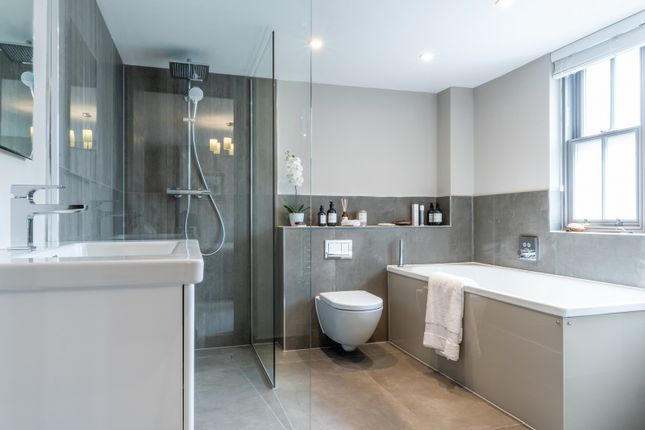 Bathroom of Queens Drive, Thames Ditton KT7