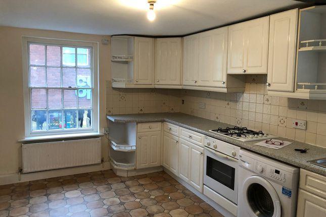 Thumbnail Maisonette to rent in Lions Gate, High Street, Fordingbridge