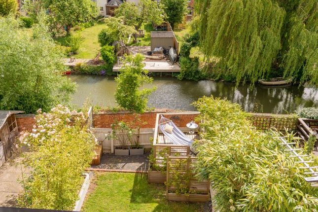 Canal Views of The Villas, Rutherway, Oxford, Oxfordshire OX2