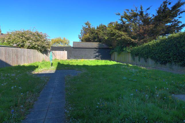 Communal Garden of Lornes Close, Southend-On-Sea SS2
