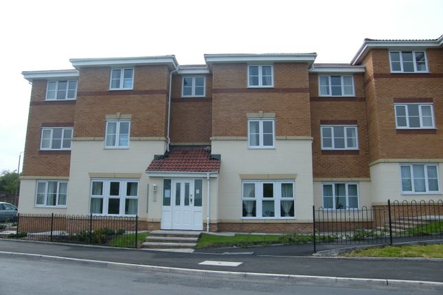Thumbnail Flat to rent in Waring Avenue, St.Helens