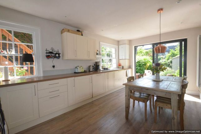 Thumbnail Flat for sale in Lenthall Road, London Fields