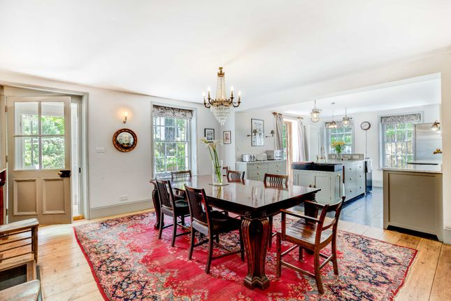 Thumbnail Property for sale in Park Crescent, Brighton