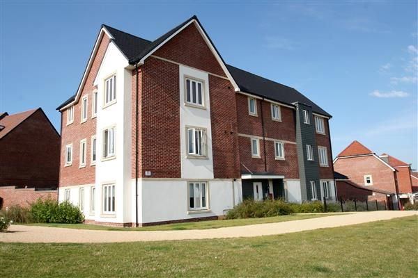 Thumbnail Flat for sale in St Catherine Road, Basingstoke, Hampshire