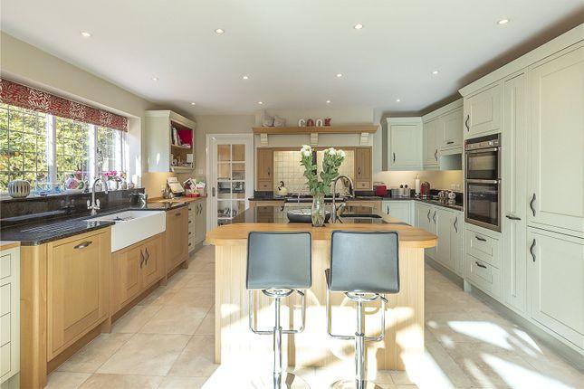 Picture No. 22 of Wood End Road, Harpenden, Hertfordshire AL5