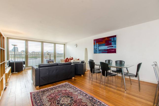 2 bed flat to rent in Rotherhithe Street, Rotherhithe