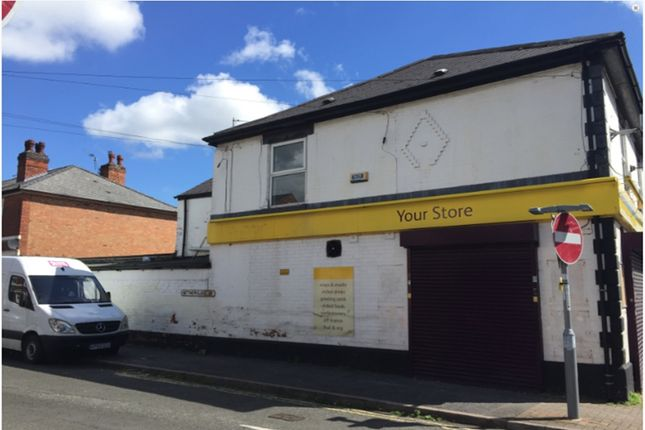Retail premises to let in St Thomas Road, Pear Tree
