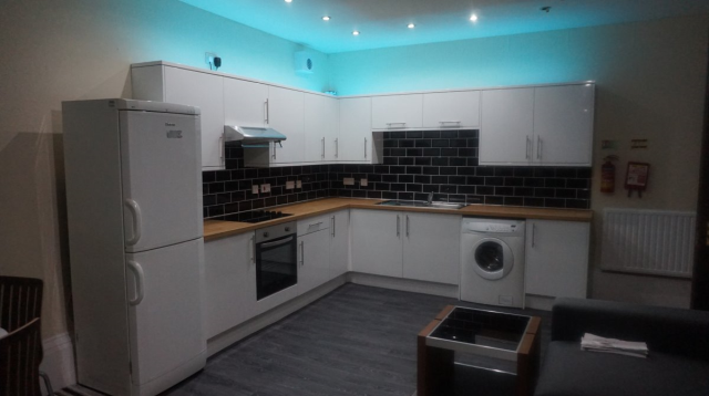 Thumbnail Flat to rent in Bellefiled Avenue, West End