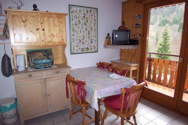 Living Room of Route De Téléphérique De Nyon, Haute-Savoie, Rhône-Alpes, France