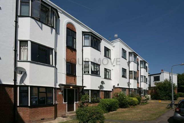 Thumbnail Flat for sale in York Crescent, Loughton