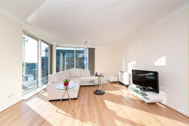 Thumbnail Property to rent in Boardwalk Place, Canary Wharf, London