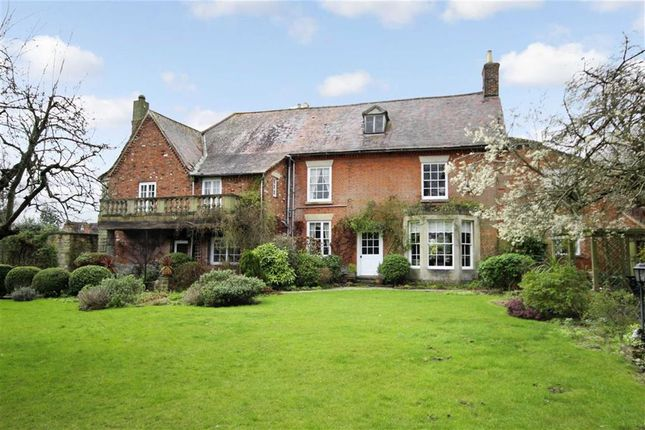 Thumbnail Detached house for sale in Croft Road, Old Town, Swindon, Wiltshire