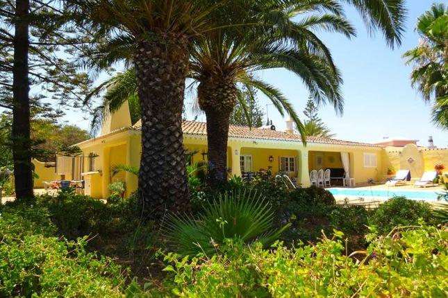 Thumbnail Farmhouse for sale in Carvoeiro, Algarve, Portugal