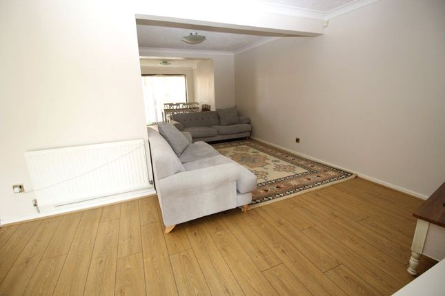 Thumbnail Property to rent in Artilllery Row, Gravesend, Kent