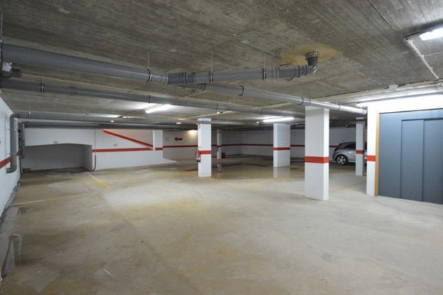 Thumbnail Parking/garage for sale in Estômbar E Parchal, Estômbar E Parchal, Lagoa (Algarve)