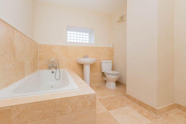 Bathroom of High Street, Irthlingborough, Wellingborough NN9