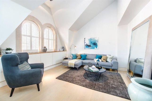 Thumbnail Flat to rent in Green Street, Mayfair