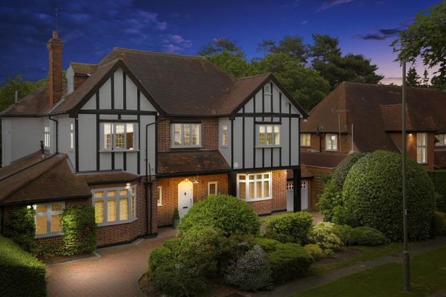 Thumbnail Detached house for sale in Pine Grove, Totteridge