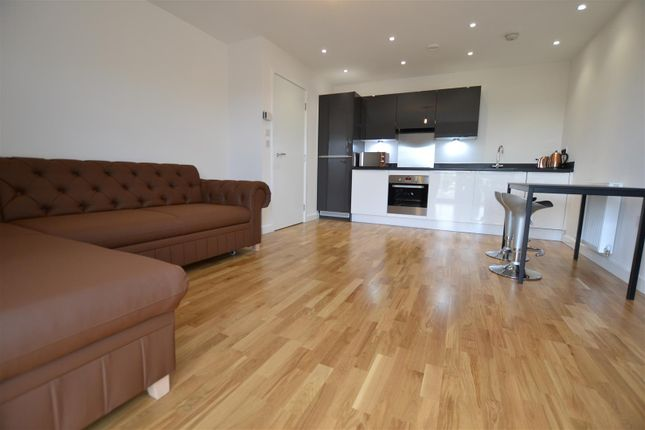 Thumbnail Flat to rent in Porters Way, West Drayton