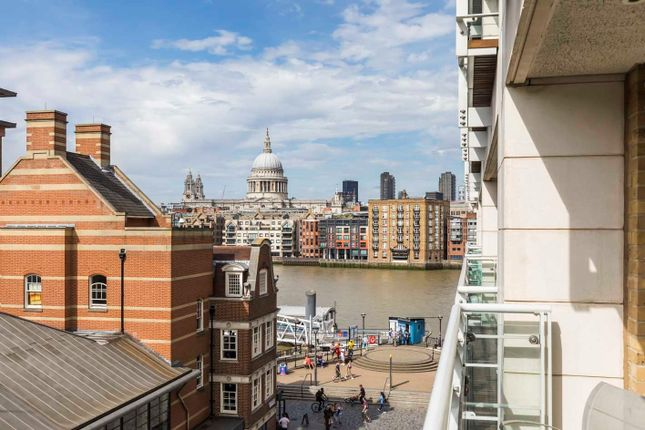 Thumbnail Flat for sale in 24 New Globe Walk, London