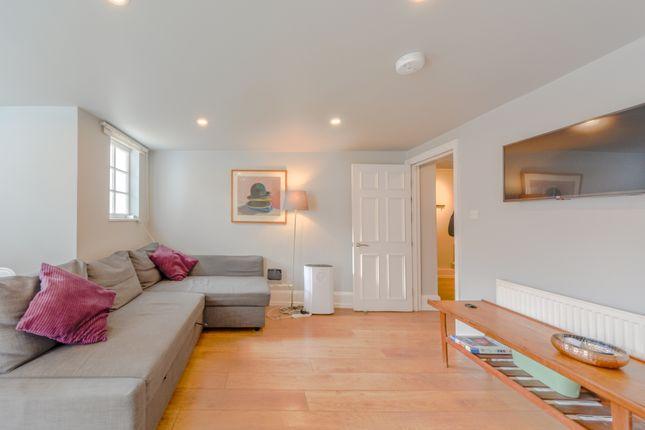 Living Room of New Kent Road, London SE1
