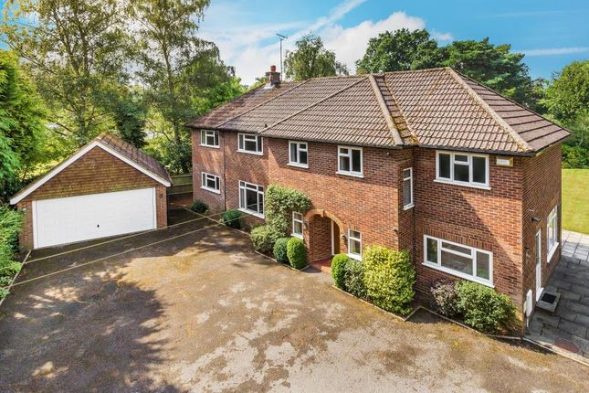 Thumbnail Detached house to rent in Hook Heath, Woking, Surrey