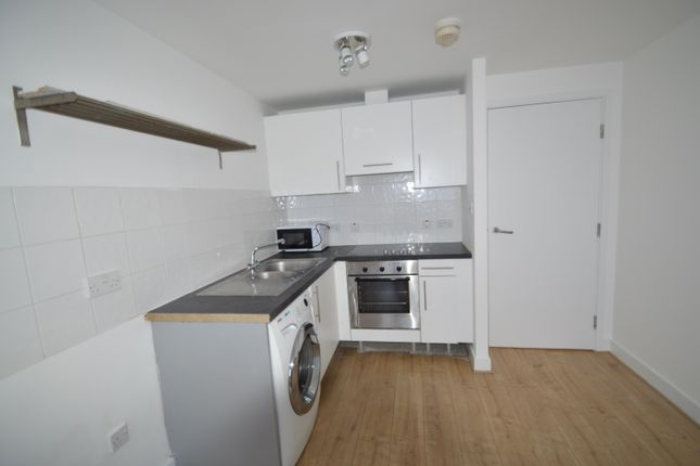 1 bed flat to rent in The Downs, West Wimbledon