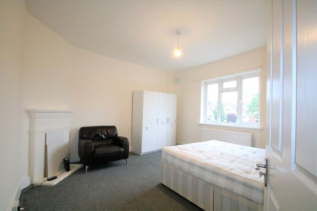 1 bed flat to rent in Ruxley Lane, West Ewell, Surrey KT19