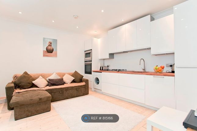 Thumbnail Flat to rent in Pyrland Road, London