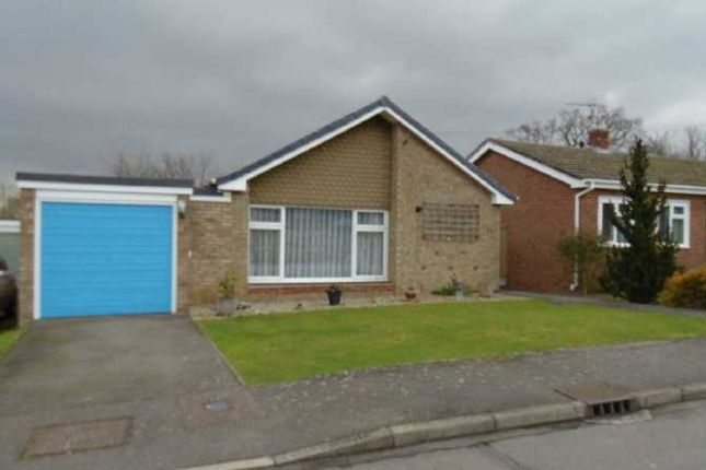 Thumbnail Bungalow for sale in Highfield Rise, Chelmsford, Althorne 6Dn, UK